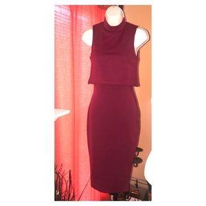 BooHoo   Sleeveless Maroon Midi Dress